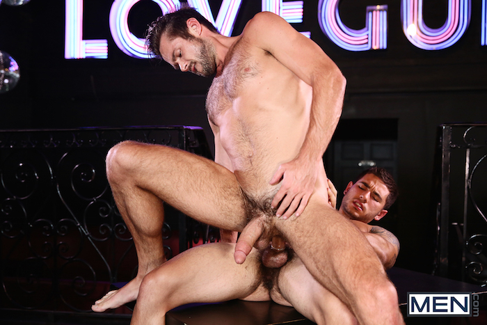 Vadim Black gives his hard jock cock to lucky Mike De Marko 8