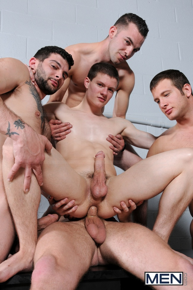 Muscle Boys Group Fuck (5)