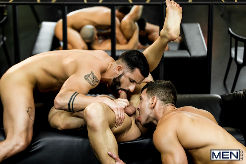 muscle guys sucking cock and rimming