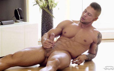 Muscle man Angelo Godshack jerking off