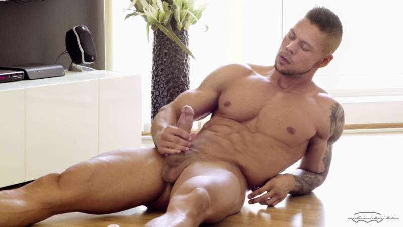 Muscle man Angelo Godshack jerking off